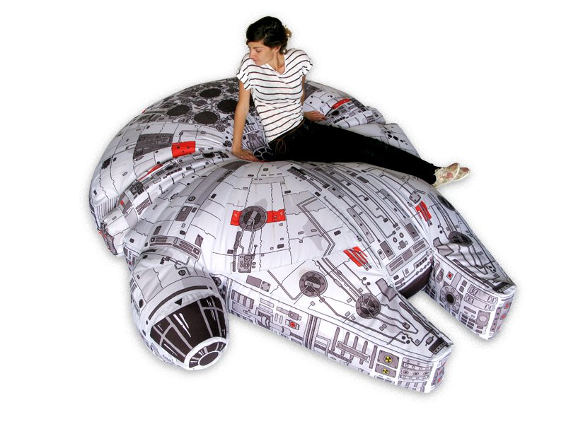 2014-12-03_millennium-falcon_bean_bag