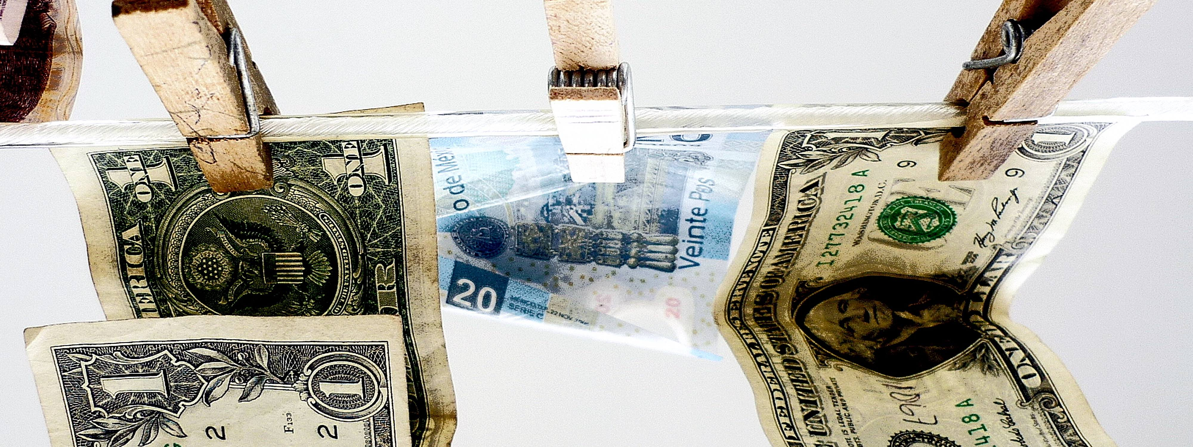 2015-06-19_geld_dollar_peso