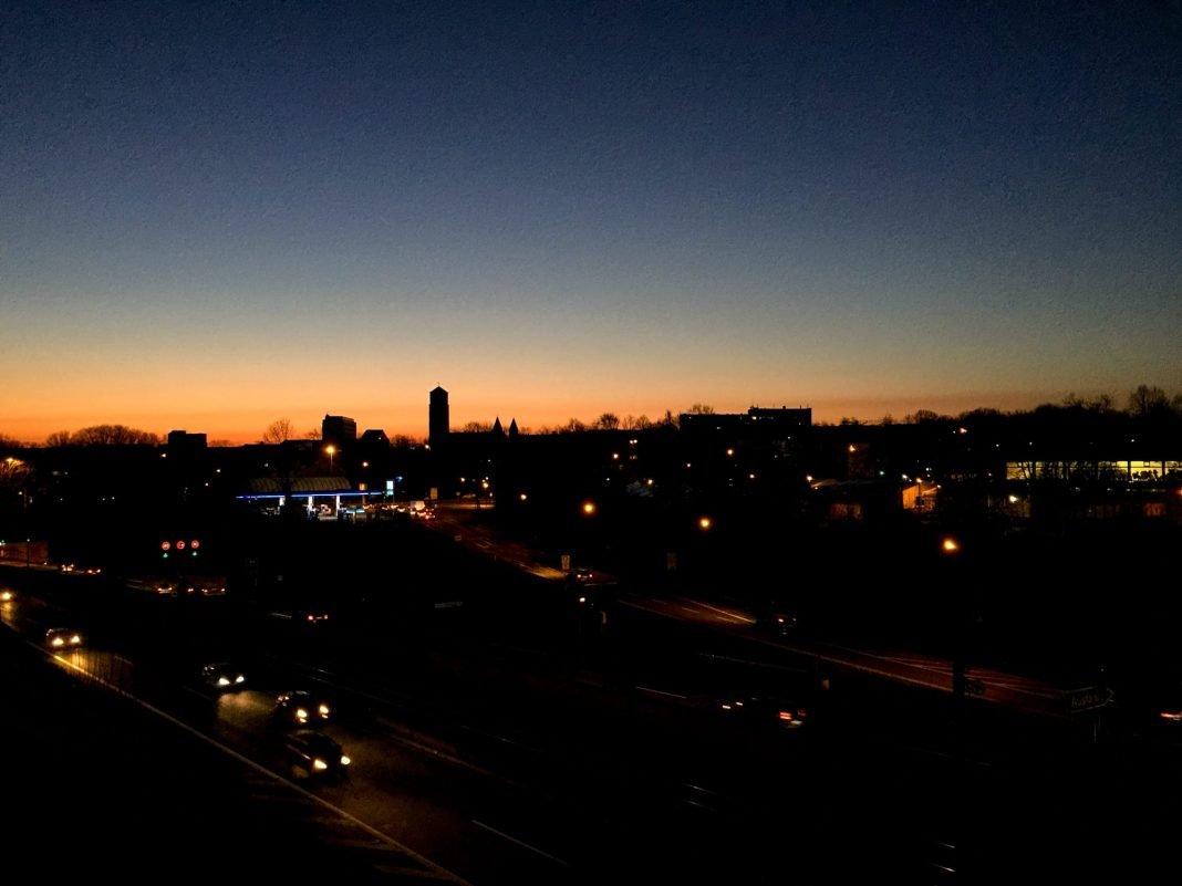 Foto: Sonnenaufgang über Holsterhausen