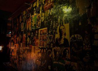 Foto: Die zugeklebte Wand im Plan B in Münster