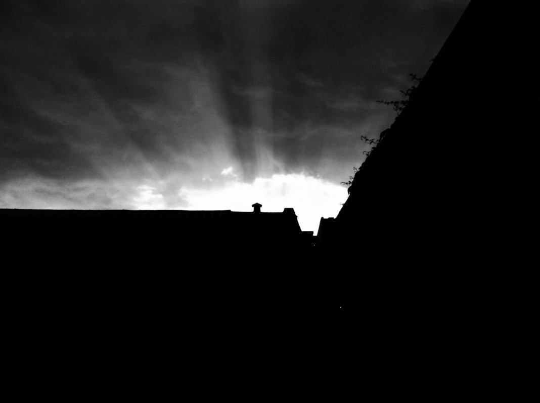 Foto: Sonnenuntergang am Heliosgelände in Ehrenfeld