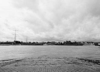 Foto: Rampe in den Rhein zwischen Niederkassel und Mondorf